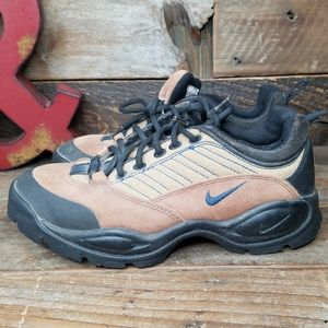 Nike ACG Leather & Canvas Lace Up Low Tops Boots